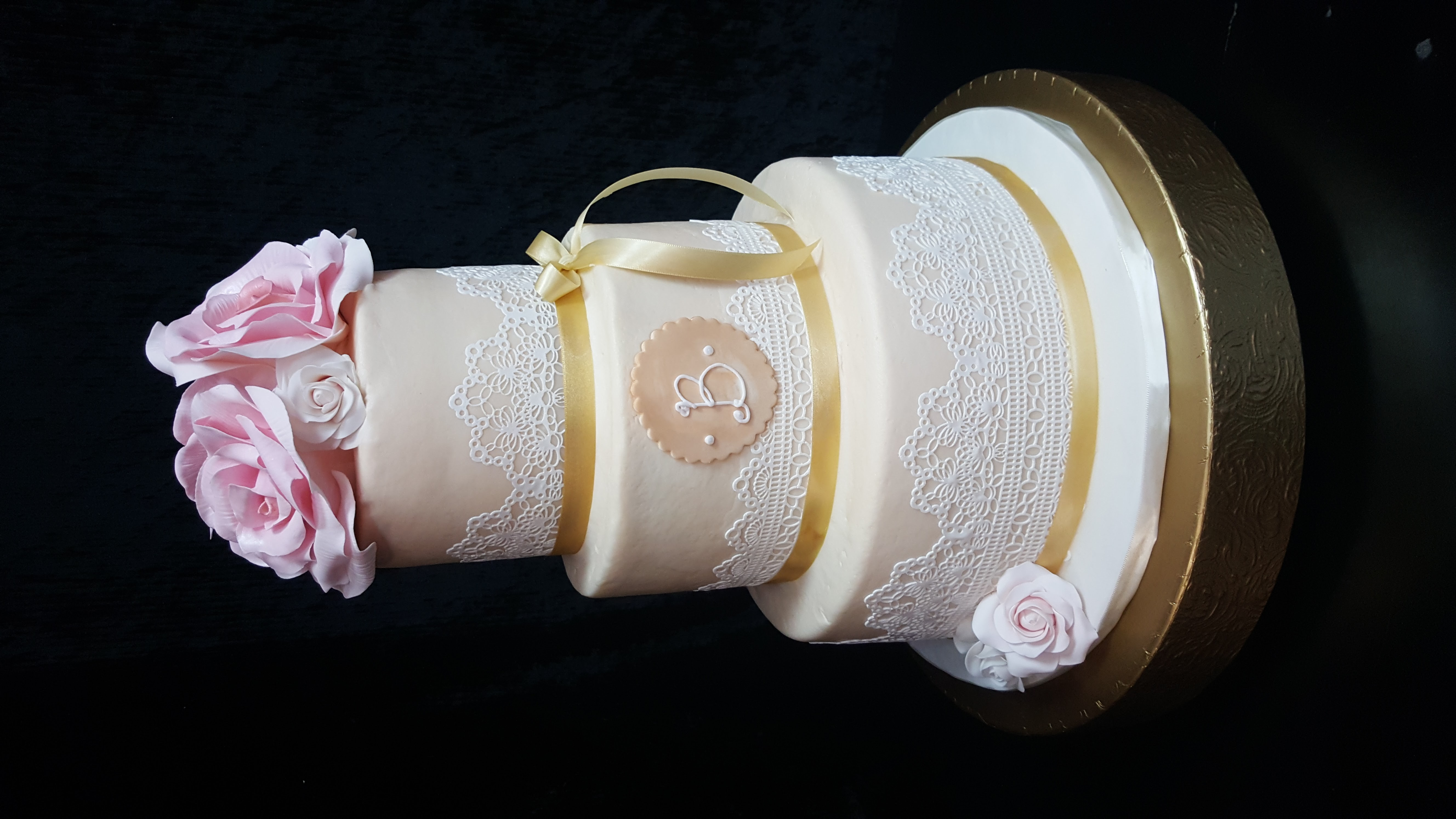 Buttercream Lace