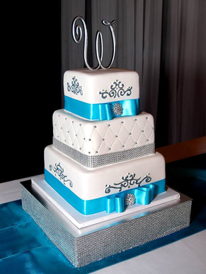 Bling Wedding Cake Love.jpg