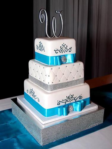 Bling Wedding Cake Love.jpg