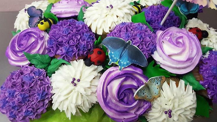 Floral Basket Cupcakes.jpg