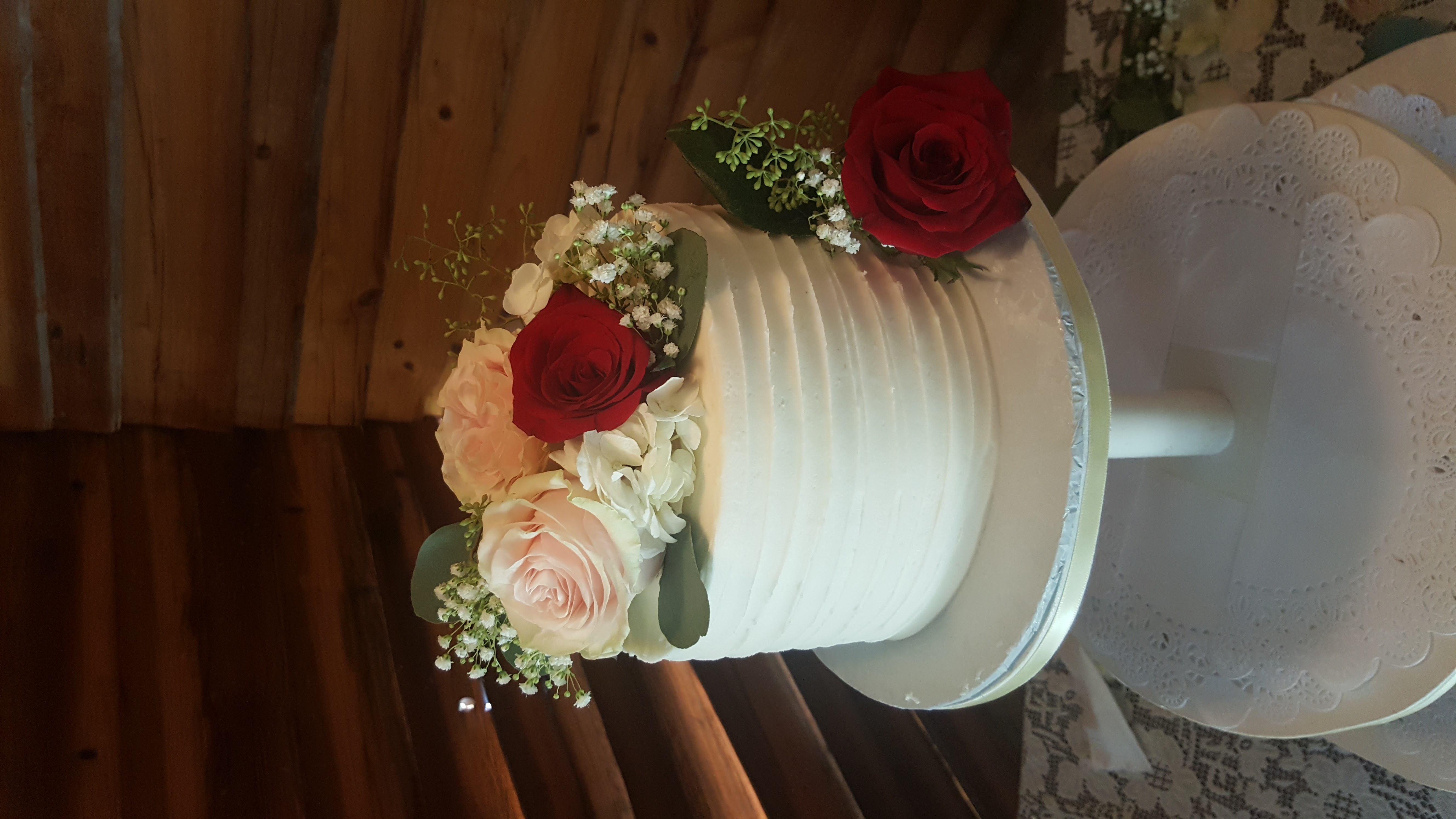 Sweet Single Tier Wedding Cake