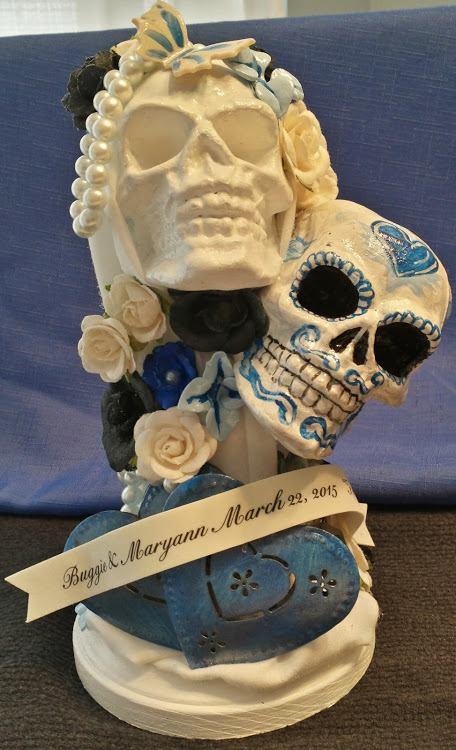 Skull topper