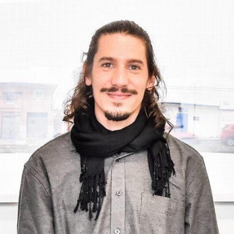 20h15 Entrevista com o artista Raphael Franco