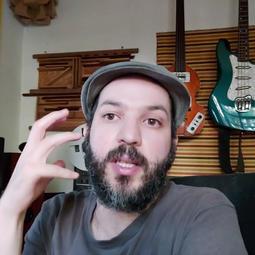 20h15 Entrevista com o artista Guilherme Chiappetta