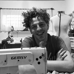 11h Entrevista Juliano Tiburcio, artista de moda e figurinista
