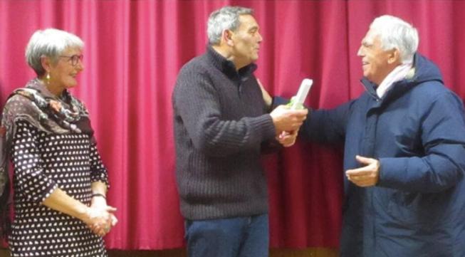 Pierre Blin reçoit la médaille communale