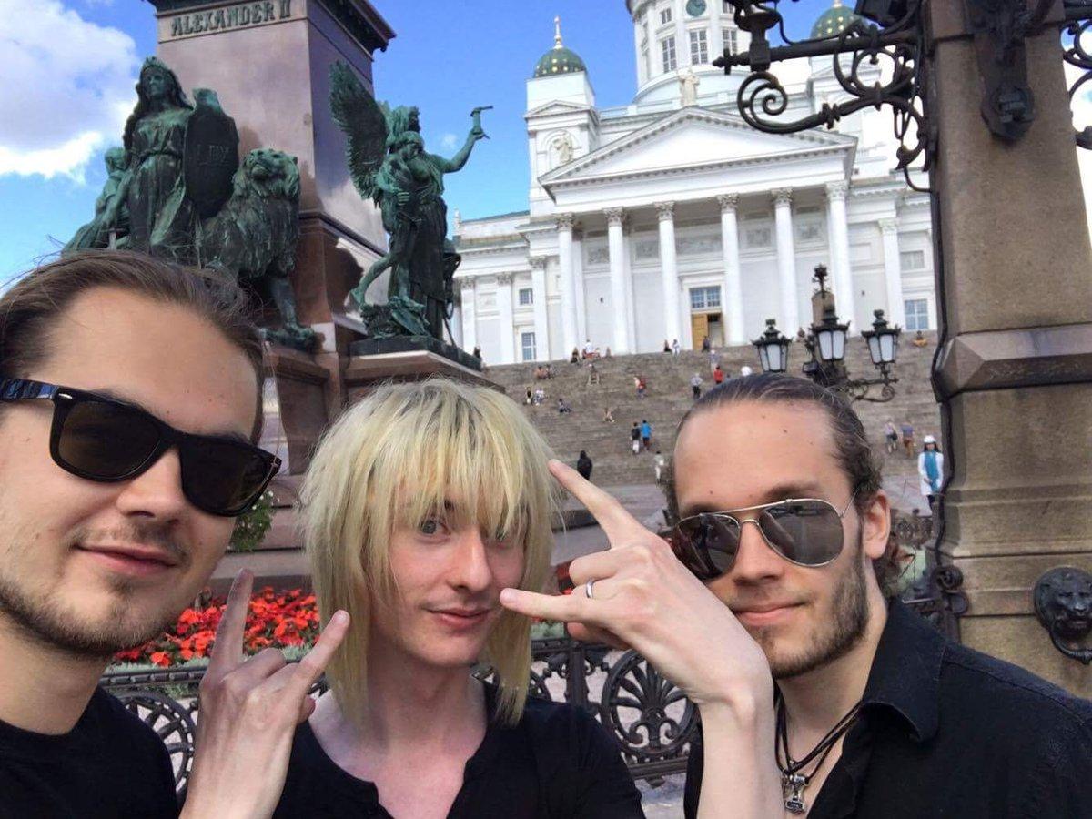 Helsingissä_mikaelin_kans_everfrost