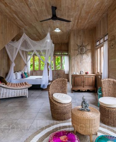 Spacious, light and airy rooms