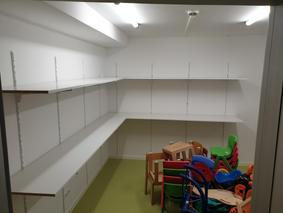 Regalmontage Lagerraum Stauraum Kinderga