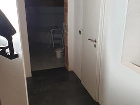 Innenausbau Türen gesetzt Laminat verleg