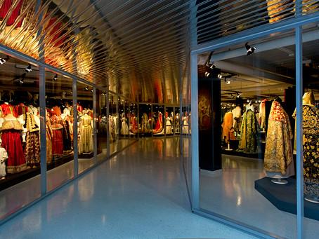Музей моды при Эрмитаже - живой центр изучения исторических костюмов
