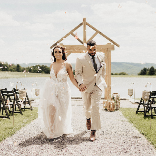 Outdoor Wedding at Wrens Roost Barn Wedding Event Venue Naples NY
