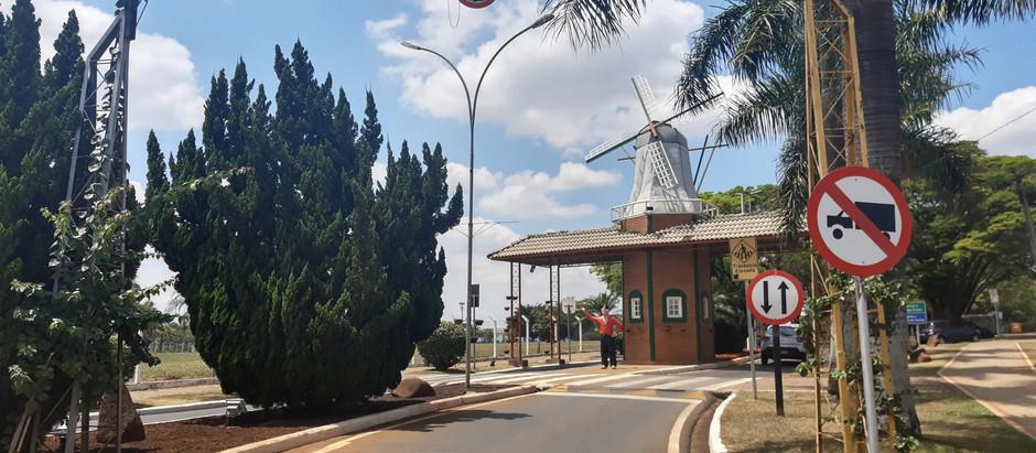 Por trás dos monumentos: O que o holambrense precisa saber ao andar pela cidade