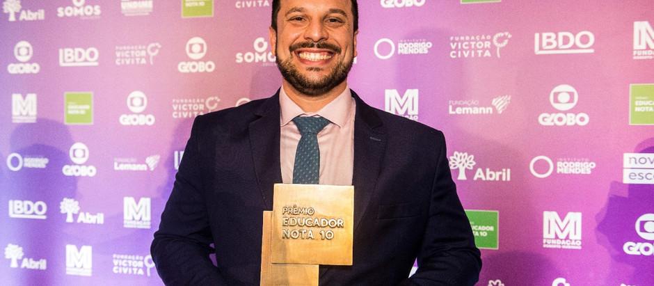 Professor da UniFAJ recebe Prêmio Educador Nota 10