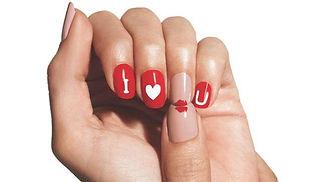 ongles love.jpg