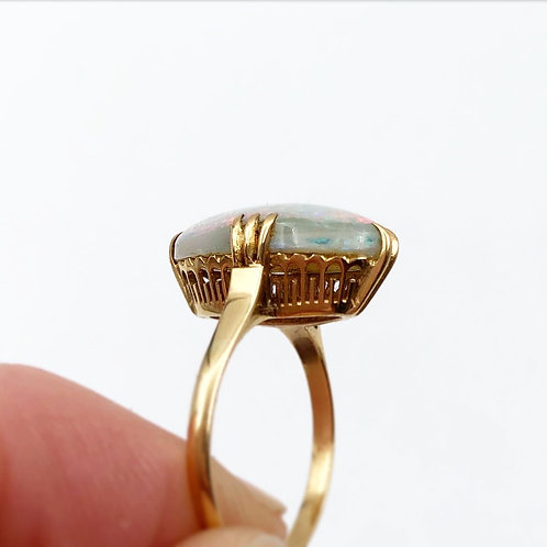 Sleek Yellow Gold Opal Ring