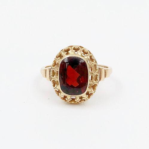 Cabochon Garnet Ring