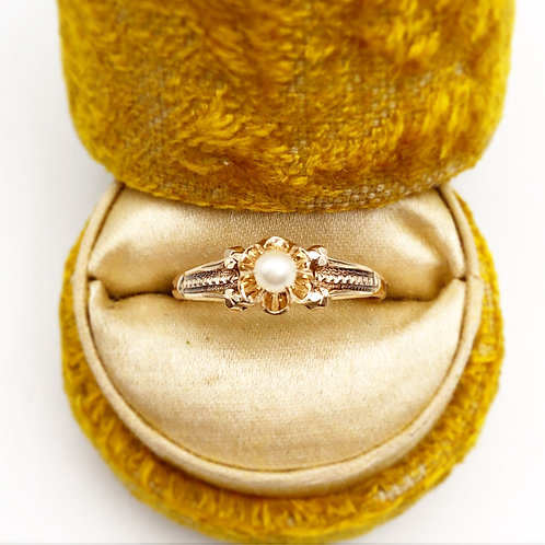 Dainty Rose Gold Pearl Ring