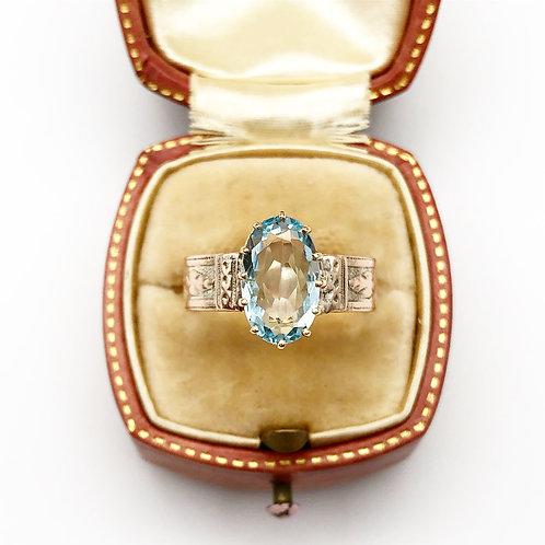 2 carat Aquamarine in a Rose Gold Setting