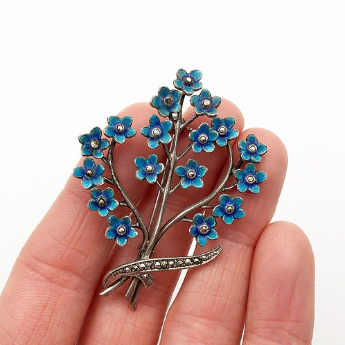 Forget-Me-Knot Flower Bouquet Brooch