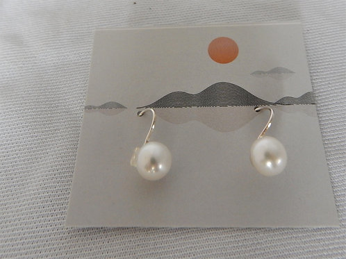 Earrings - E007 - Sterling Silver Pearl Wired - Classic Makings