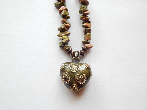 Necklace - Stone Chips / Heart Pendant - Muggie Jewelry