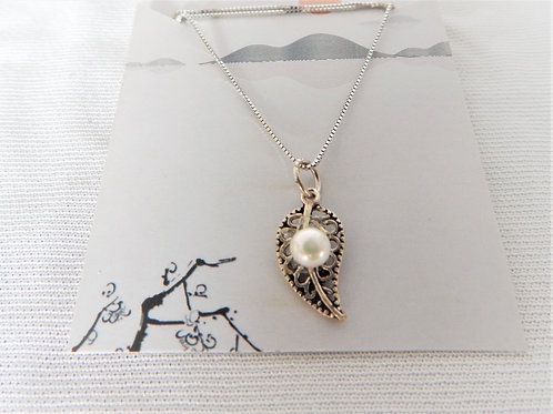 "Necklace - P024 - Sterling Silver Leaf with Pearl 16"" - Classic Makings"