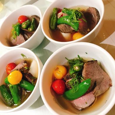 鹿肉の塩麹グリル しろ出汁と焼き野菜のスープ仕立て