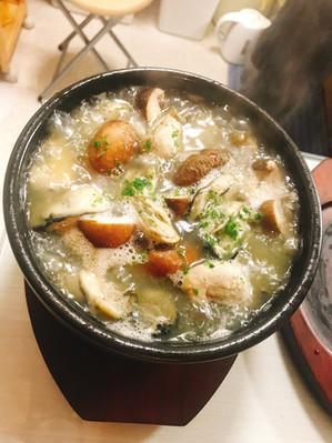 牡蠣とマッシュルームのアヒージョ