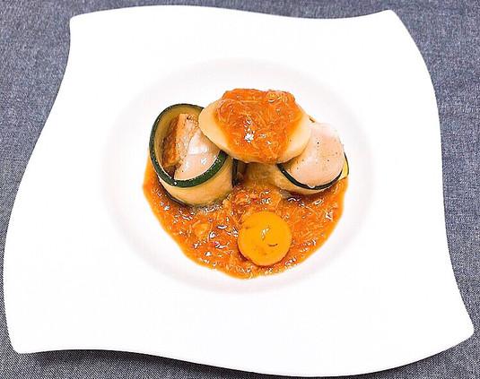 ホタテと旬な魚のポシェ カニの身が入った濃厚海老ソース