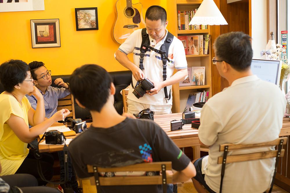 數位攝影入門-台中東勢-東華影樓-酷比攝影-攝影背帶-雙肩帶