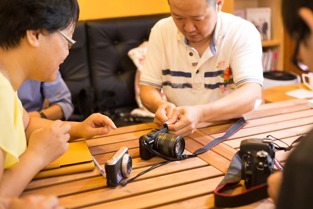 數位攝影入門-台中東勢-東華影樓-酷比攝影-綁背帶