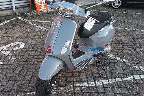 Vespa Sprint S snor NIEUW !!!