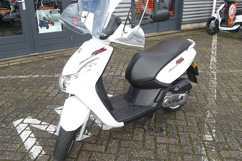 Peugeot Kisbee RS snorscooter 2012