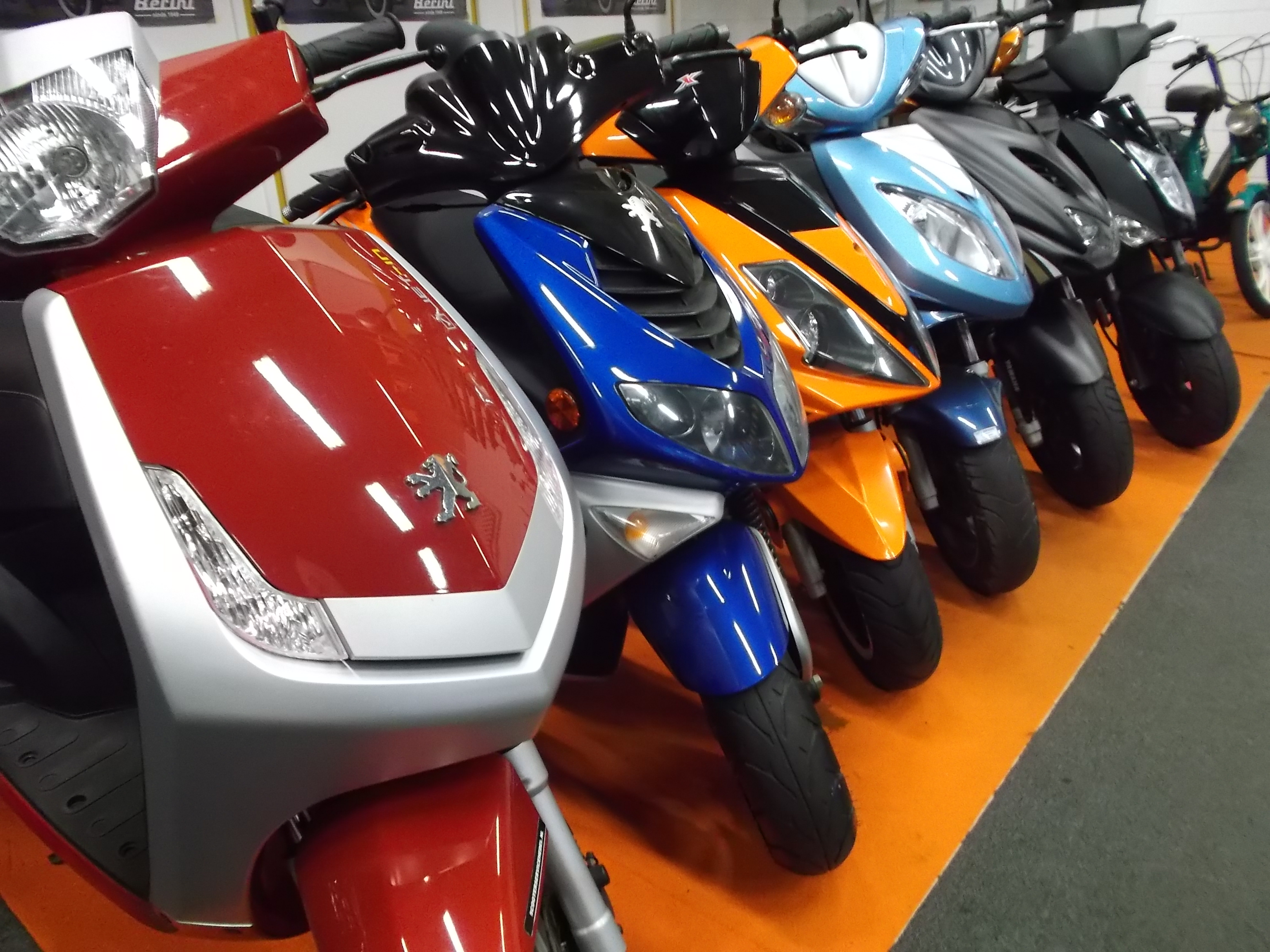 Showroom Scooter Service Hedel
