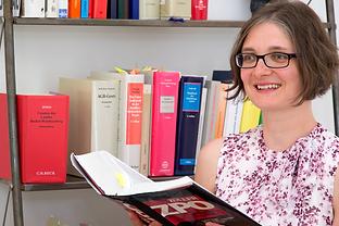 Kanzlei Mörder Freiburg Rechtsanwalt Franziska Stadelmann