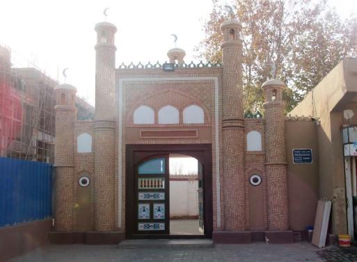 Kargalık Ulu Camii'nin 2019'da daha küçük bir ölçekte yeniden inşa edilmiş olan giriş kapısı
