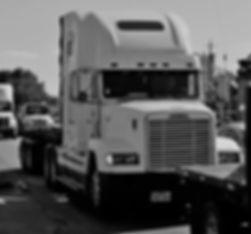 trailer-truck-2825248_640.jpg