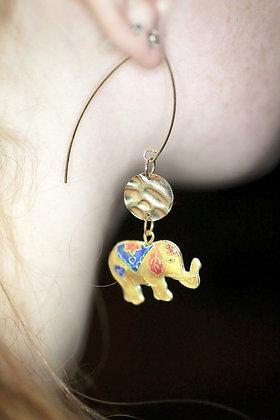 Dangling Elephant