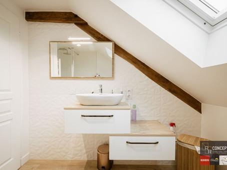 Salle de bains à l'ambiance naturelle & reposante