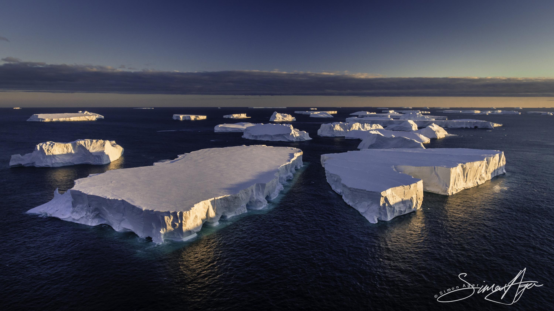 170213-SA-Antarctica-icebergs-by-drone-004-0389