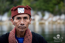 160815-SA-Musgamagw-Dzawada'Enuxw-traditional-leaders-board-Burdwood-fish-farm-to-deliver-eviction-n