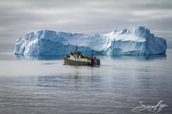 141218-SA-Bob-Barker-pursues-poaching-vessel-Thunder-towards-icebergs-0223