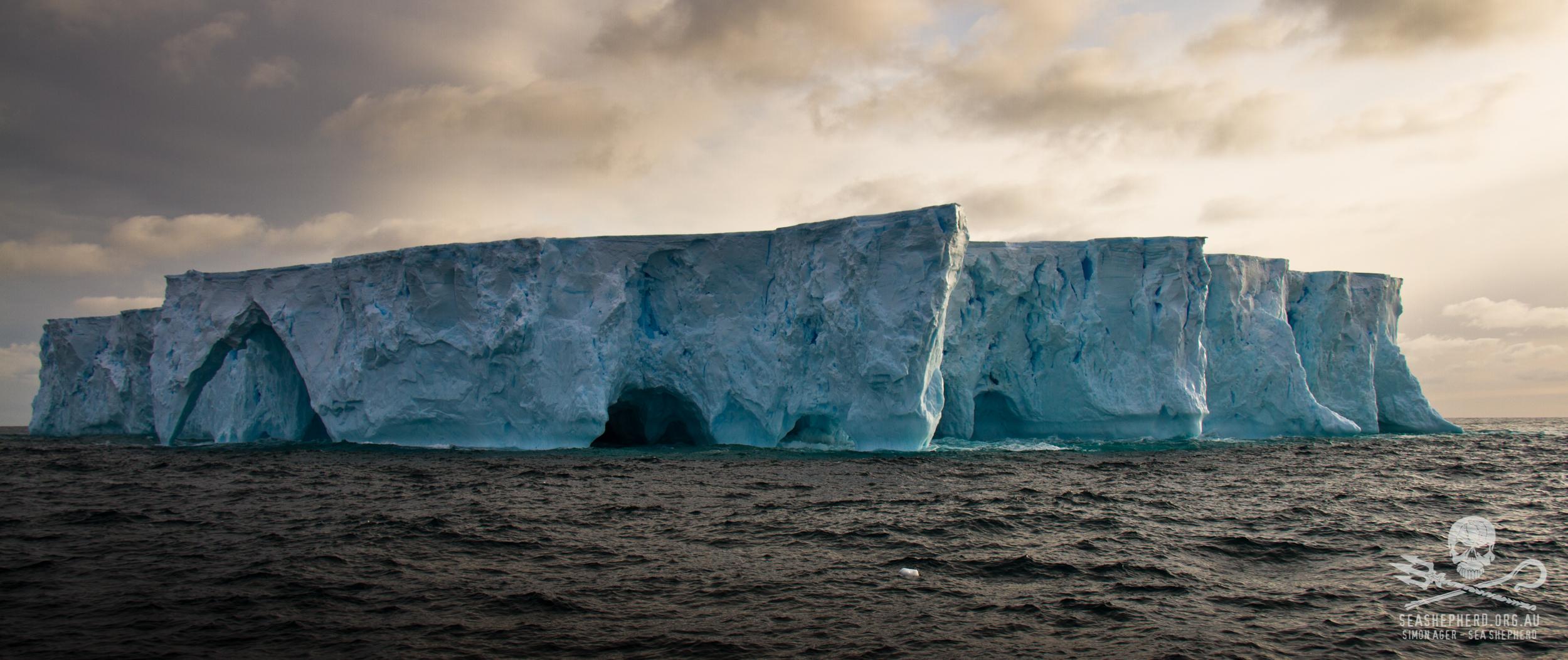 110213_SA_Iceberg_Sunset_Art_002_7835