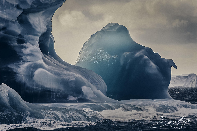 170213-SA-Antarctica-iceberg-art-010-