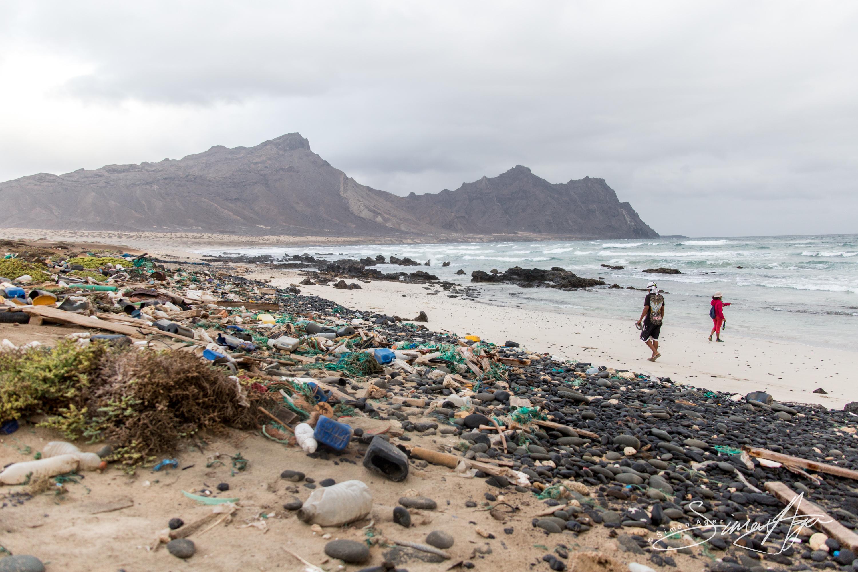 140817-SA-001-The-garbage-laden-beach-of-Anchado -1366
