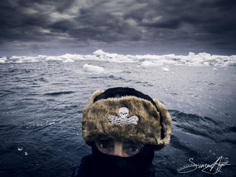 130113_SA_Antarctica_Simon_Ager_self_portrait_in_ice_flow_001
