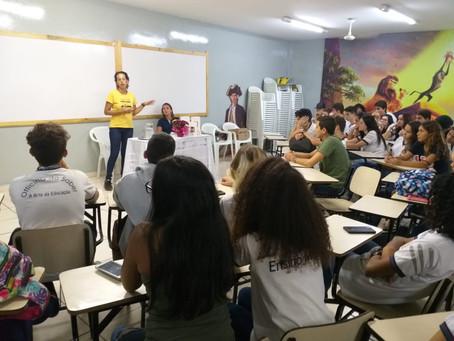 """Literatura: Catiane D'aura levou ao Ensino Médio todo o processo de produção de sua """"Saudad"""
