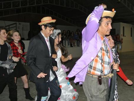 Festa Junina da Officina do Saber: alegria e diversão para todas as idades.