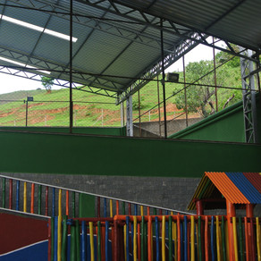 Reforma da área de esporte e lazer, com a cobertura dos espaços, está quase concluída.